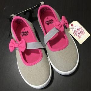 sz 9 Girls Shoes